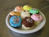 c9049-plateofcupcakes